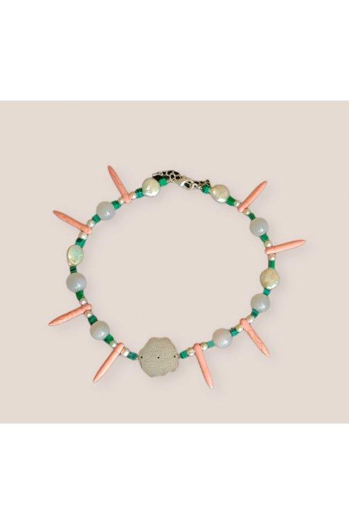 Tricolor wasabi necklace