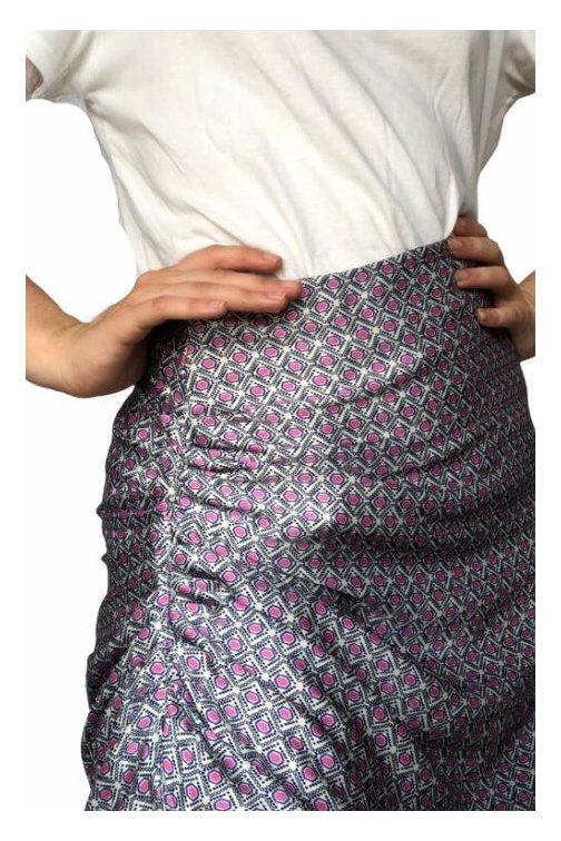 Jupe drapée midi-motifs...