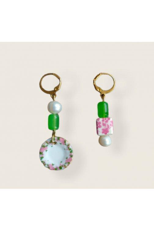 Asymmetrical earrings with...