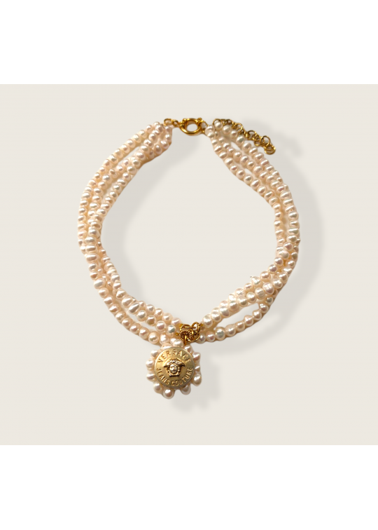 Freshwater pearl necklace with...